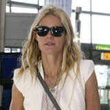 Gwyneth Paltrow's Cool and Chic Combo: Olive Khakis and a White Vest