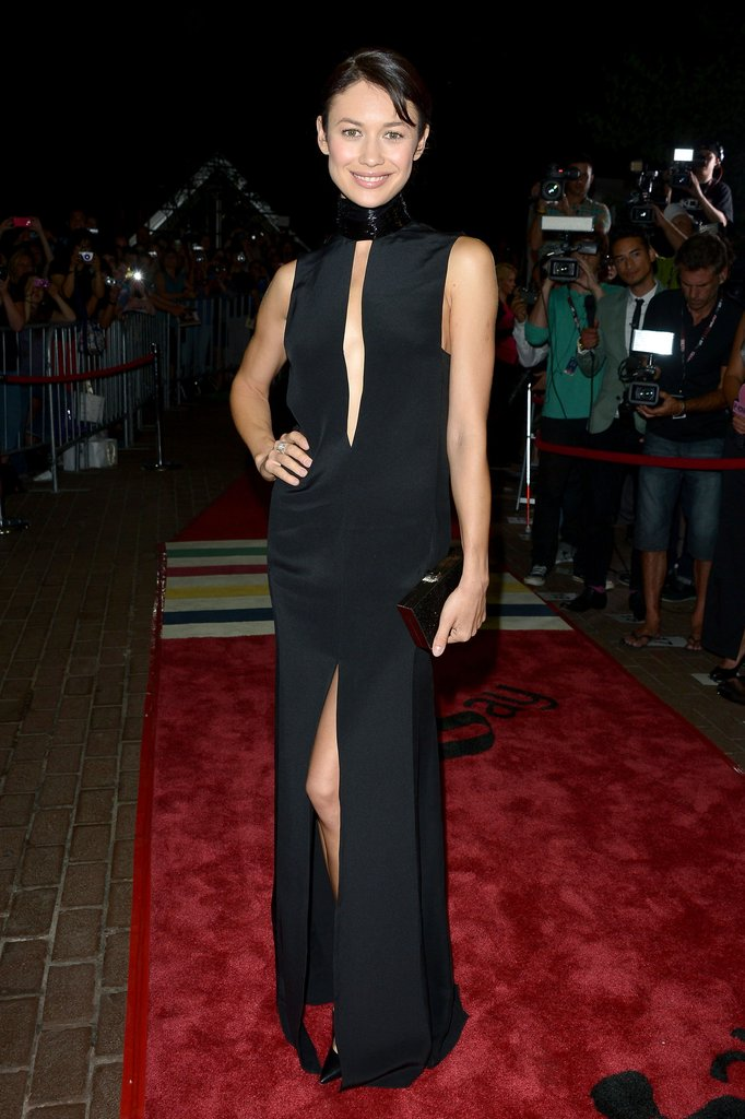 Olga Kurylenko did the double dare-to-bare skin move by wearing this slinky black Emilio Pucci gown to the Seven Psychopaths premiere.