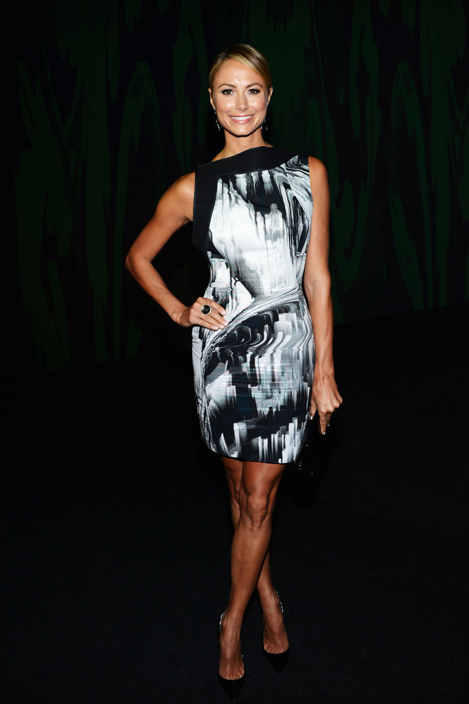 Stacy Keibler showed off an abstract print Vera Wang dress at the designer's Spring show.