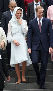 Kate Middleton Barefoot And In A Headscarf In Malaysia