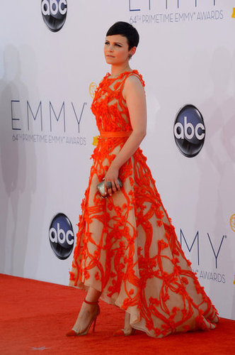 Ginnifer Goodwin stepped out in a beautiful Monique Lhuillier gown for the Emmy Awards.