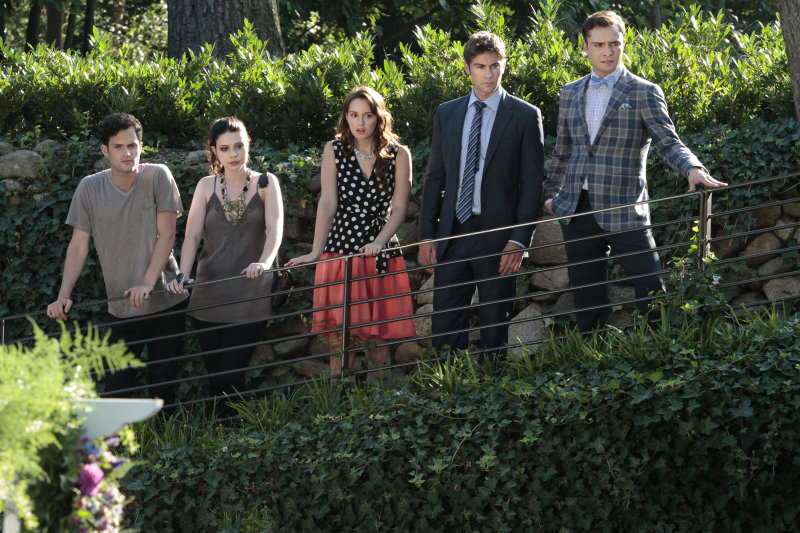 The gang gathers together in Gossip Girl's final season.