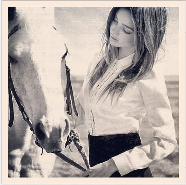 Miranda Kerr made friends with a horse, of course.  Source: Instagram user mirandakerrverified