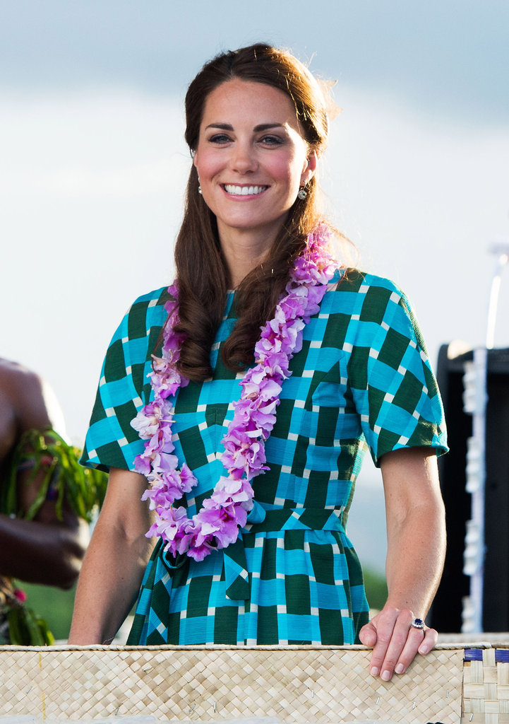 A close-up of Kate's brightly printed look — the fuchsia-hued lei puts a fun tropical touch on the outfit, too.