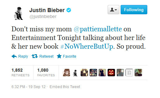 Justin Bieber is proud of his mama. Cute.