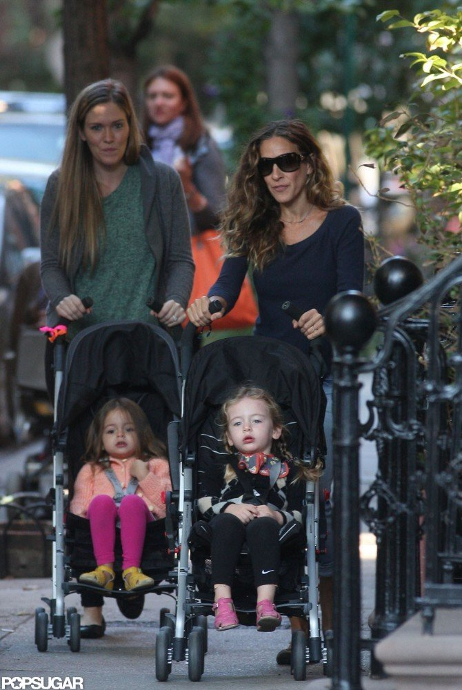 Sarah Jessica Parker walked with the twins in NYC.