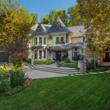 Joe and Tina Simpson Sell Their Home (Pictures)