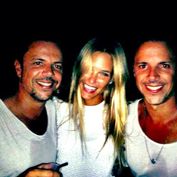 Bar Refaeli snuggled up to two male friends. Source: Instagram user barrefaeli