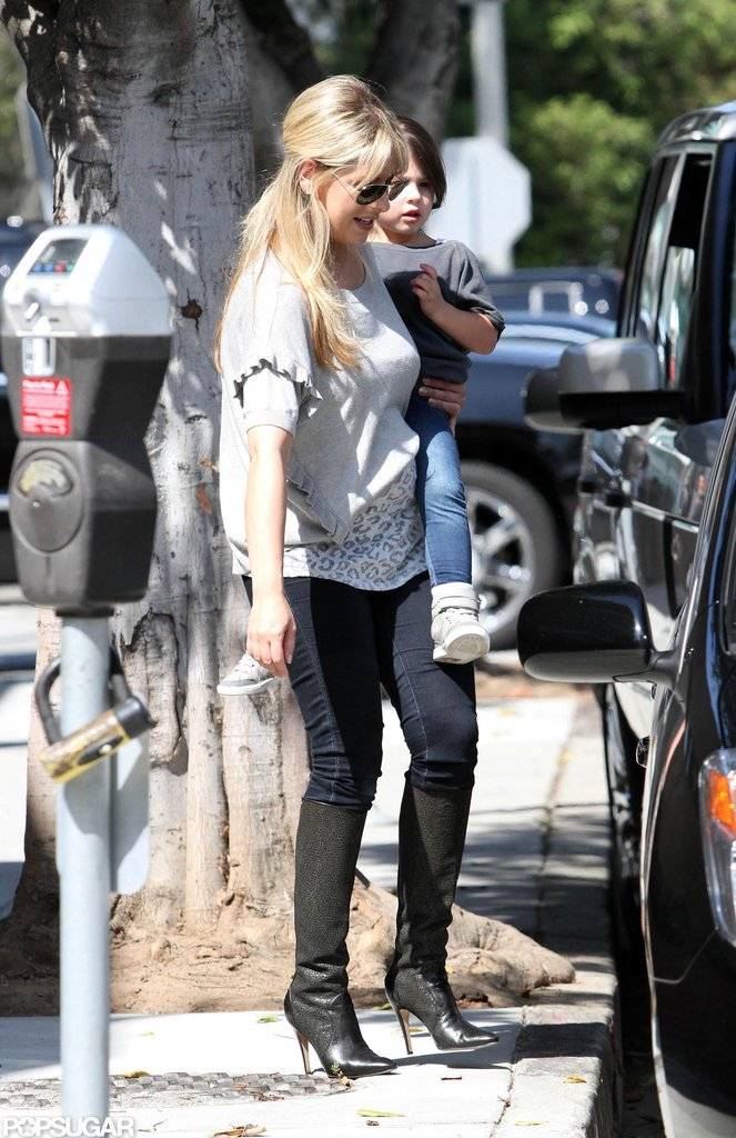 Sarah Michelle Gellar stepped out in LA for the first time since giving birth to her second child.