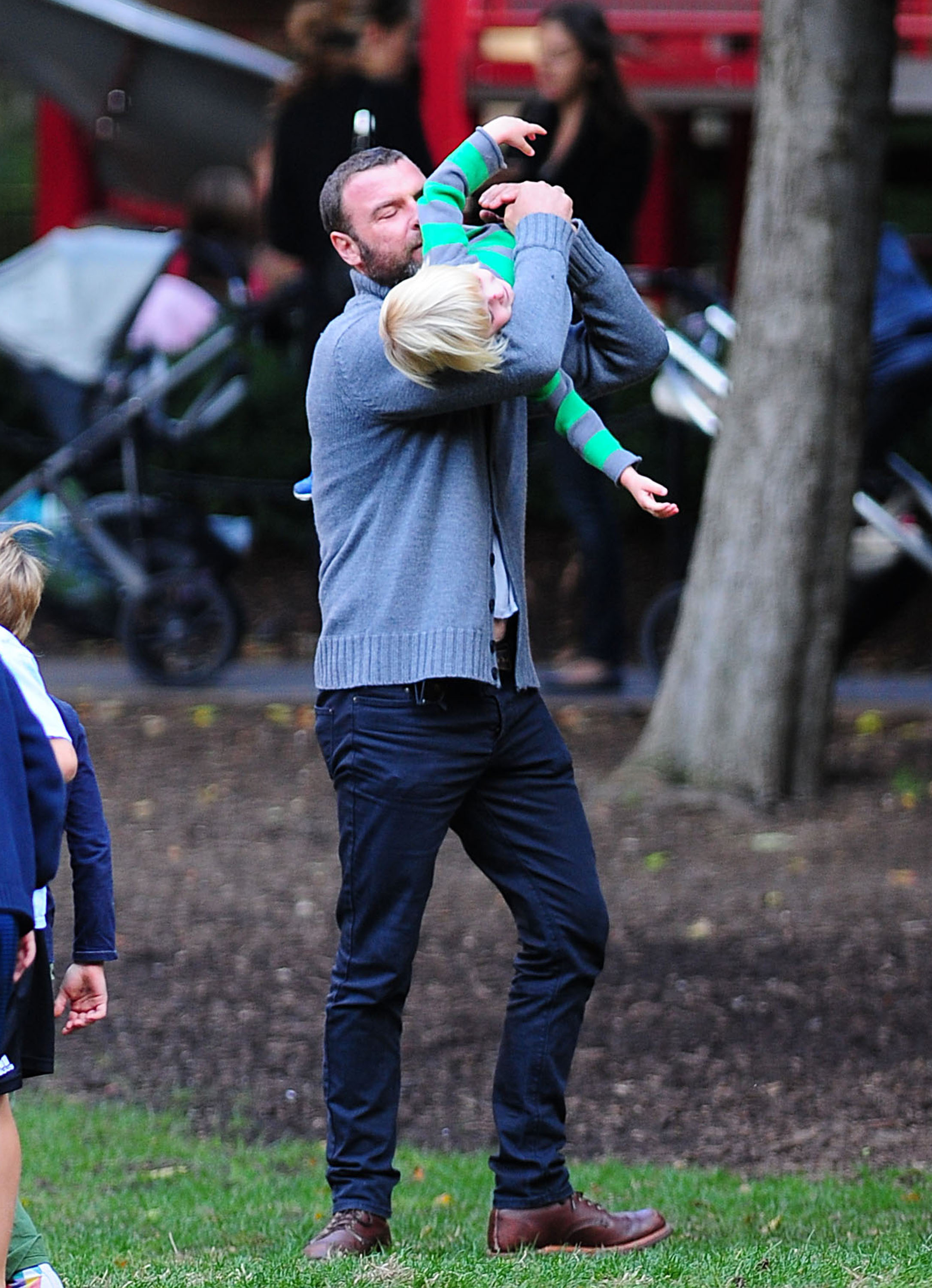 Liev Schreiber picked up son Kai at an NYC park.