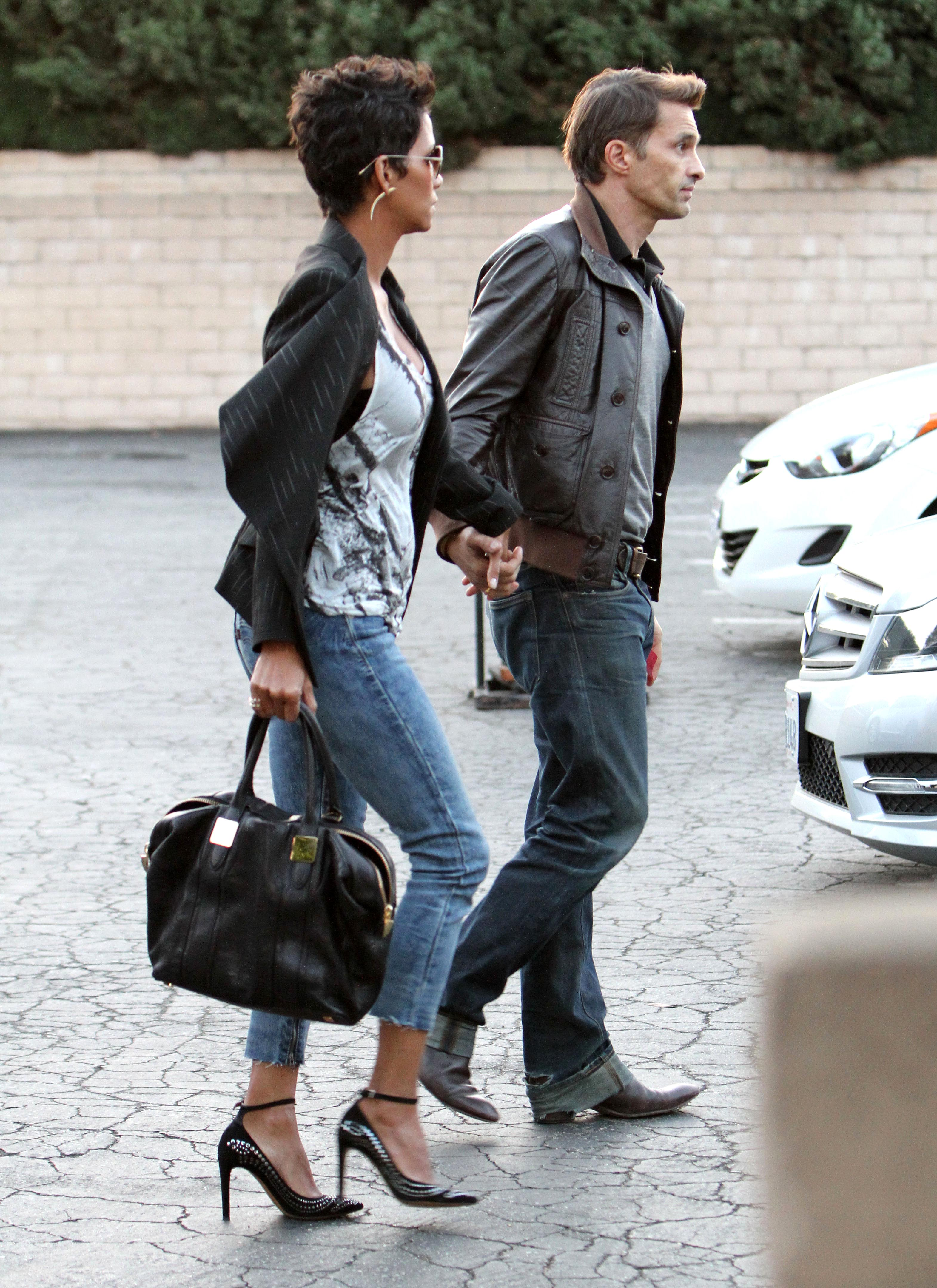 Halle and Olivier Share Some PDA in Cloudy LA