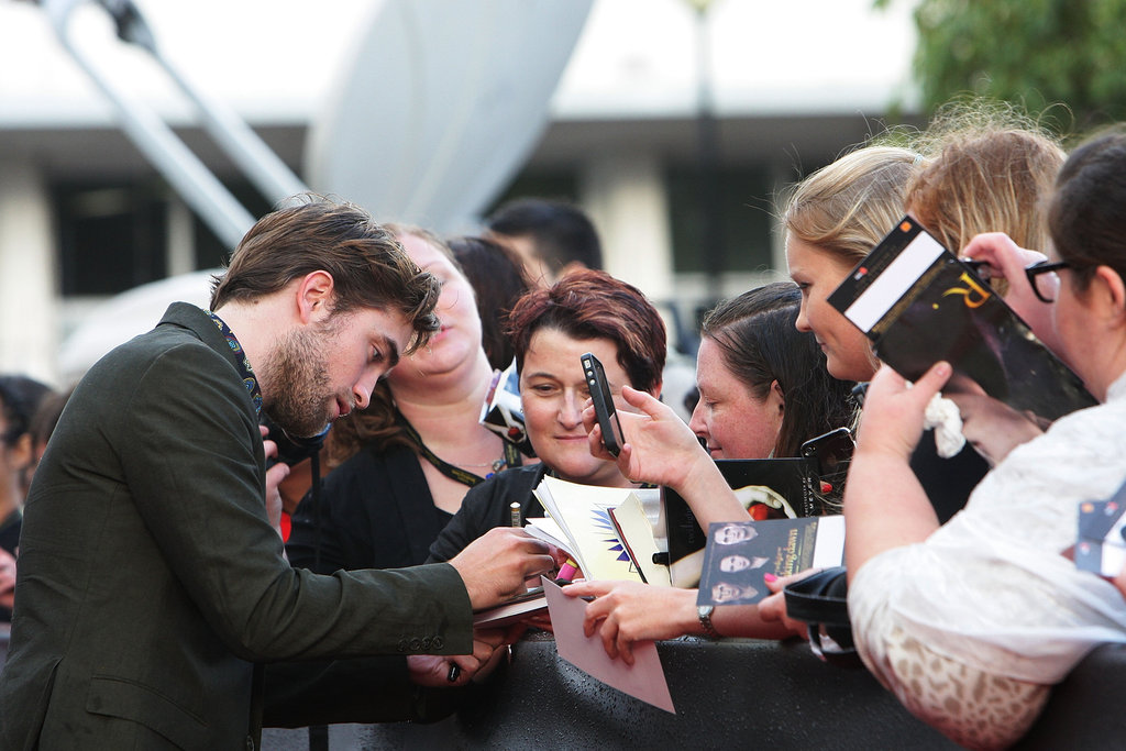 Robert Pattinson signed autographs for fans in Sydney.