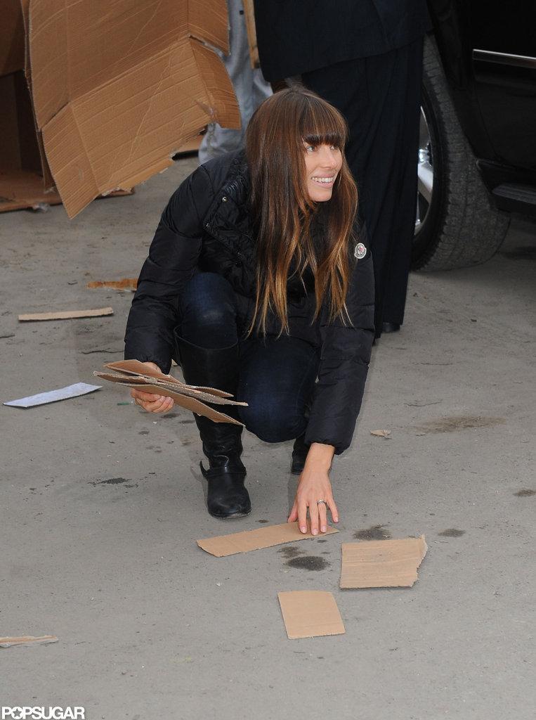 Jessica Biel helped clean up in the Rockaways.