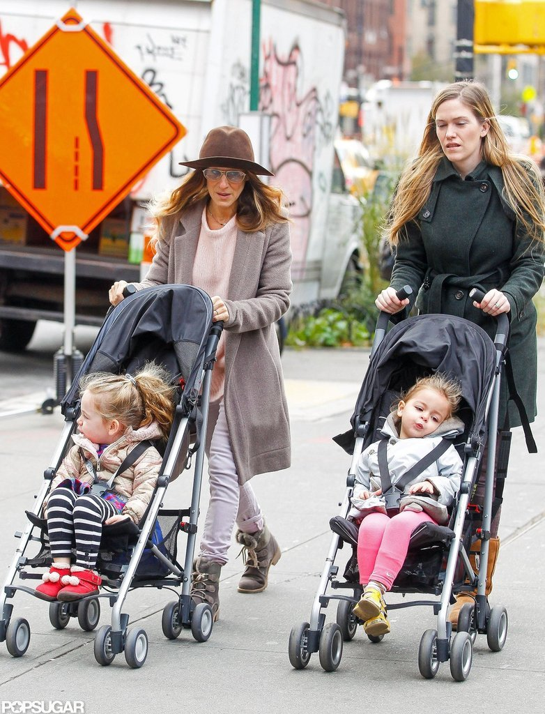 Sarah Jessica Parker teamed up with a nanny to go on a walk with Tabitha Broderick and Loretta Broderick.