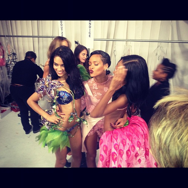 Rihanna posed with Angels backstage.  Source: Instagram user badgalriri