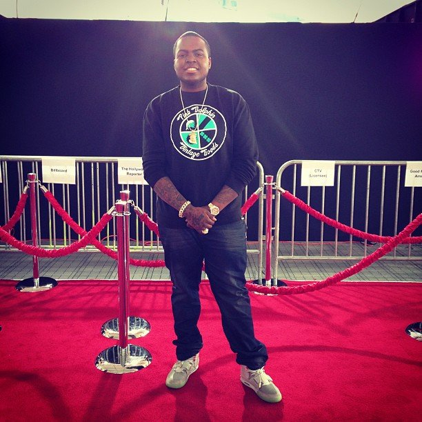 Sean Kingston snapped a photo on the red carpet before press and other music stars arrived. Source: Instagram user badmonkingston