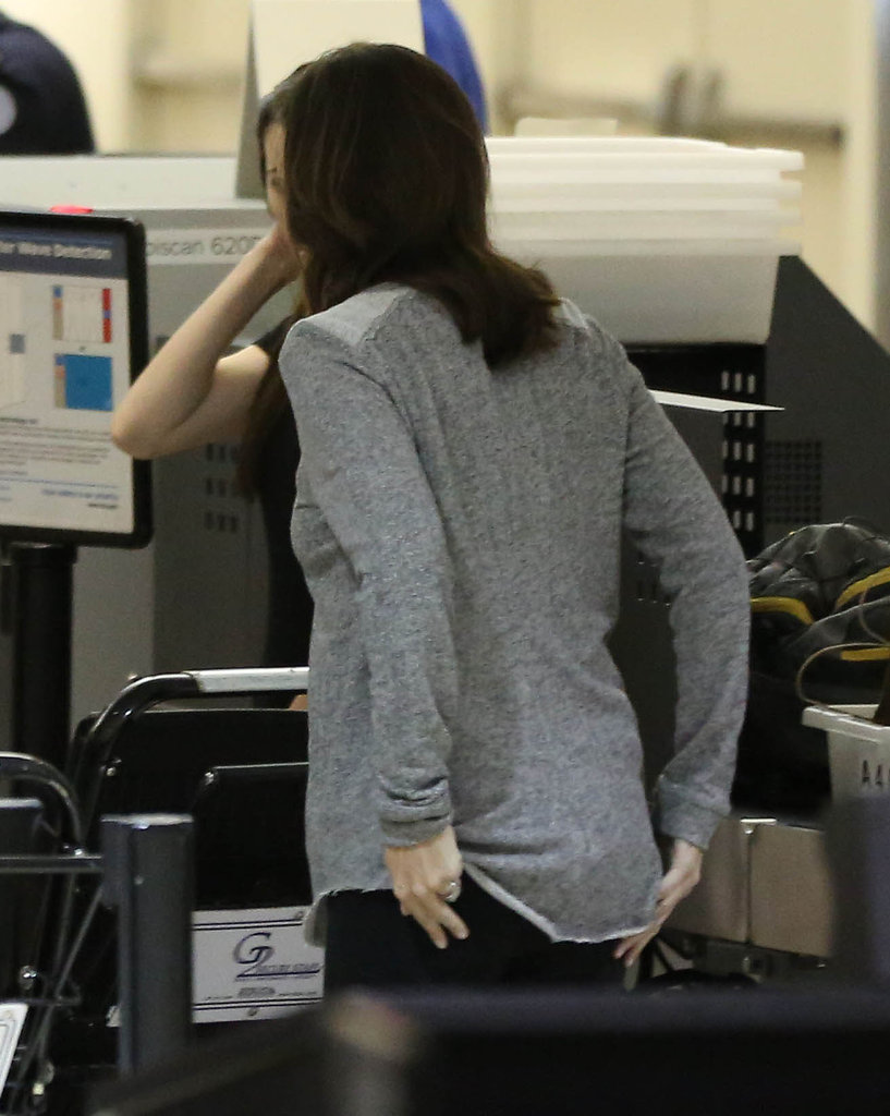 Jennifer Garner checked her pocket at security.