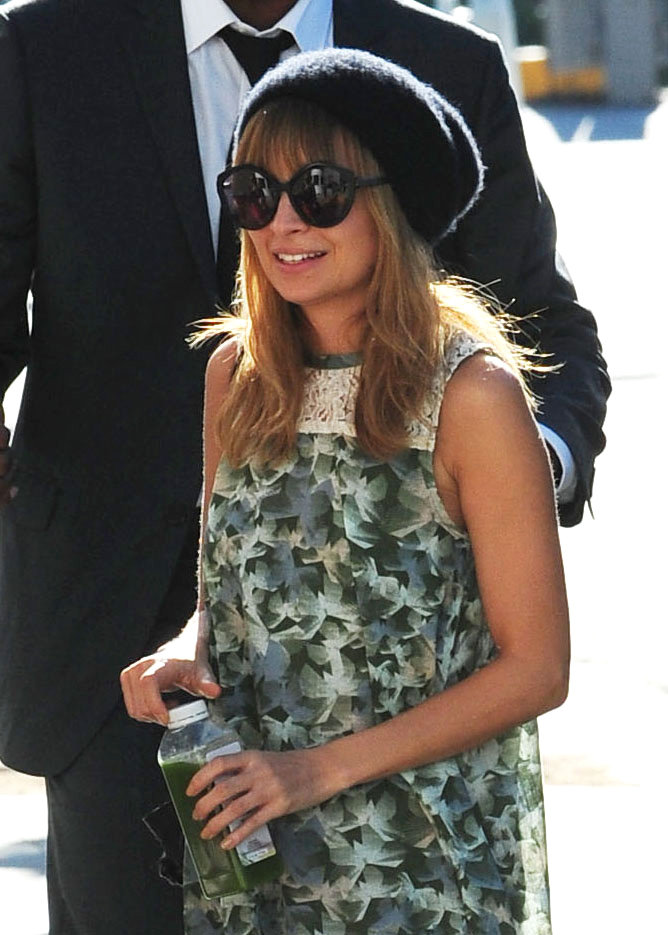 Nicole Richie smiled on the way to a concert in LA.