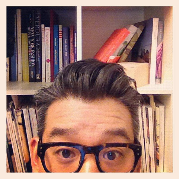 Peter Som took a photo in front of his bookcase. Source: Instagram user peter_som