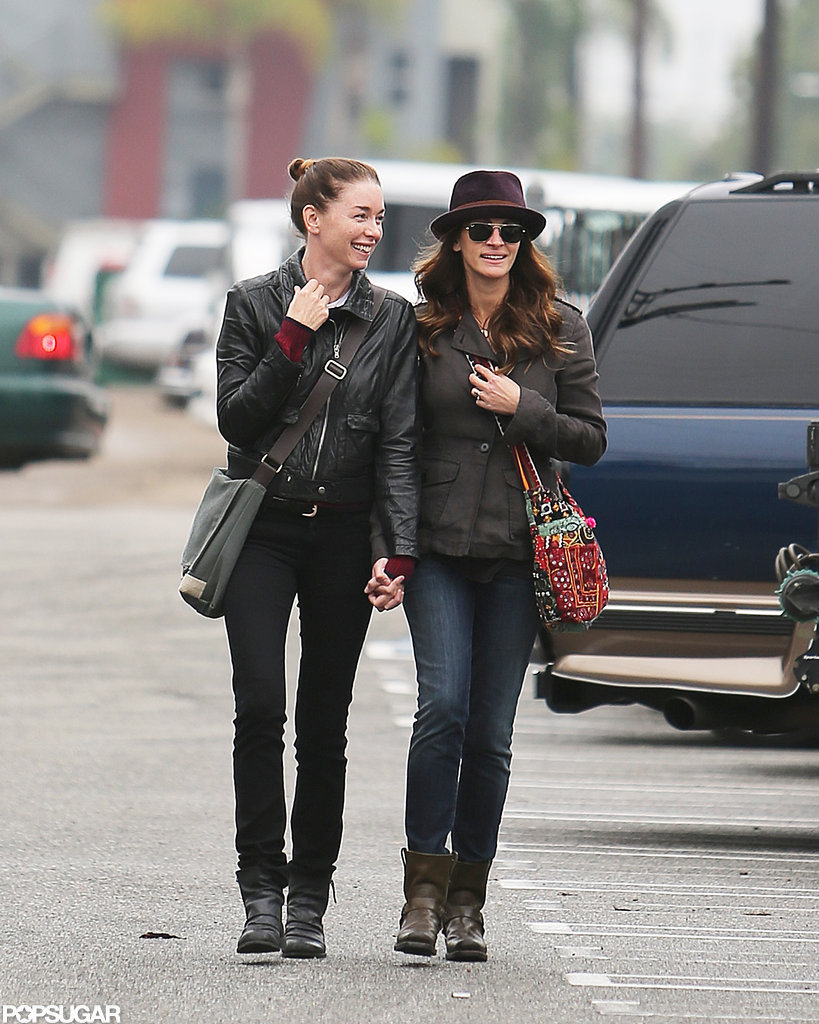 Julia Roberts held hands with her friend Julianne Nicholson.