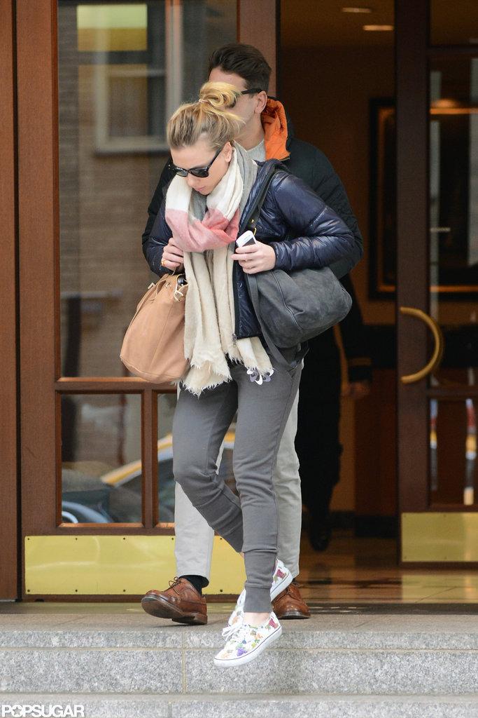 Scarlett Johansson and her new boyfriend left their NYC hotel.