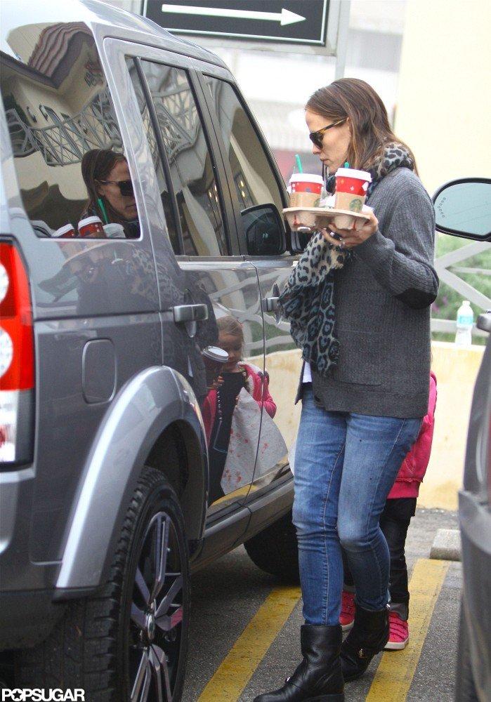 Jennifer Garner helped Seraphina Affleck into the car.