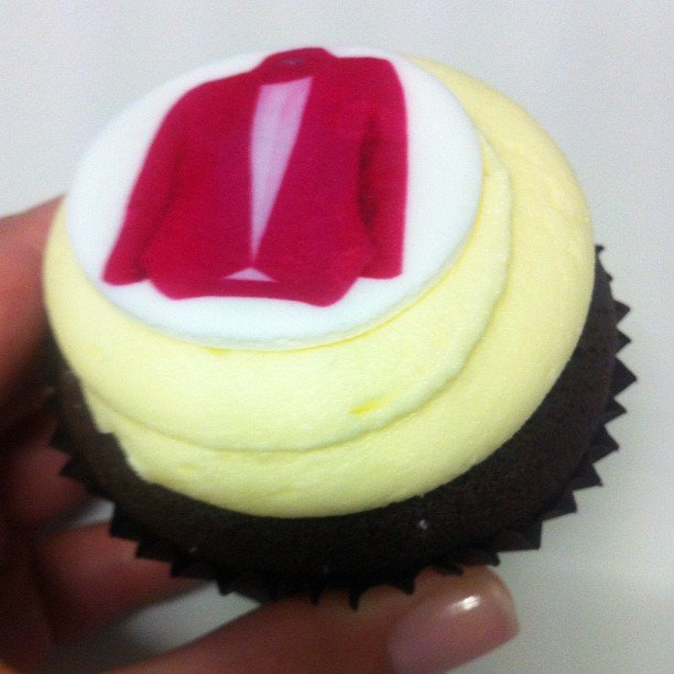 Cupcakes! Any food delivery is a good delivery in the Sugar office. These cuties are courtesy of Christine Kardashian.