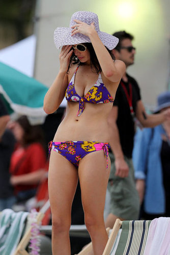 Jessica Paré sported a retro printed bikini while filming scenes for Mad Men in Maui in October 2012.