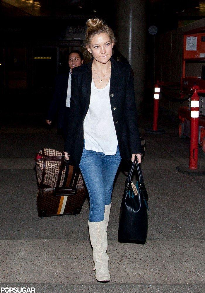 Kate Hudson carried a black bag in LA.