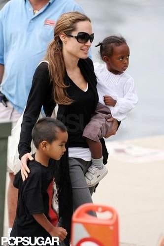 Angelina Jolie and Brad Pitt took Maddox, Zahara, and Pax to a Chicago museum in August 2007.