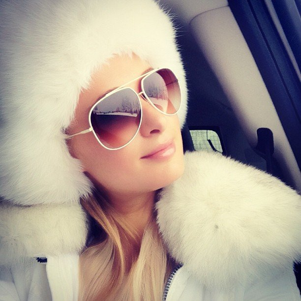 Paris Hilton wore a white ensemble to go skiing in Aspen. Source: Instagram user parishilton