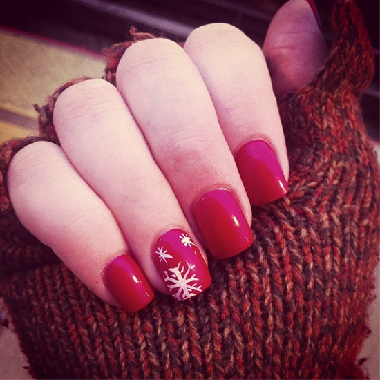 Easy Christmas Nail Art: Holiday Nail Art Designs