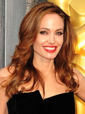 'Angelina Jolie' from the web at 'http://media1.popsugar-assets.com/files/2012/12/51/4/192/1922398/b5eeaf4df67ccb5c_angelinajolie.xxxlarge_2/i/Angelina-Jolie.jpg'
