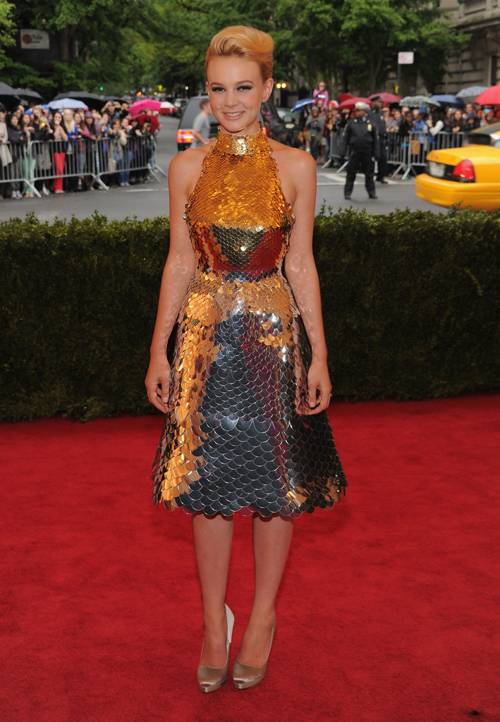 Carey Mulligan shined in a mermaid-like Prada dress of armour at the Met Gala. While we loved this look, we also know this is an extremely tough, interesting, and totally dynamic look to pull off.