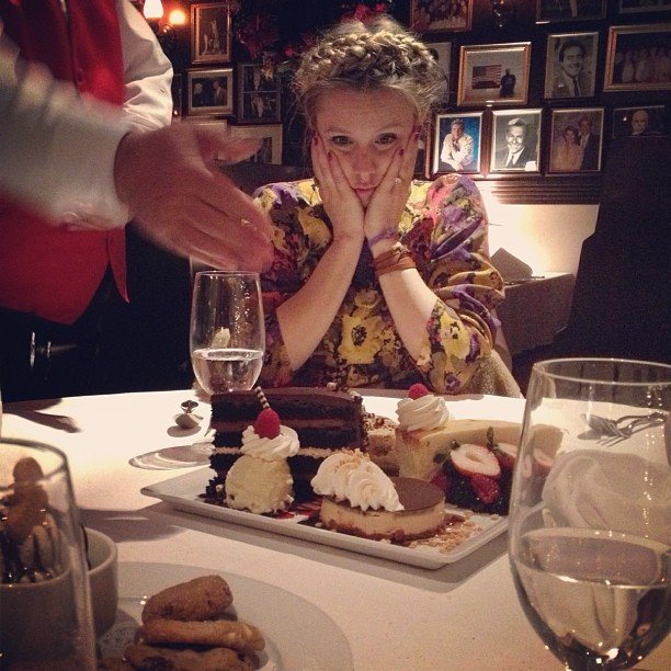 Mom-to-be Kristen Bell couldn't believe her eyes upon seeing a dessert plate. Source: Instagram user rejectedjokes