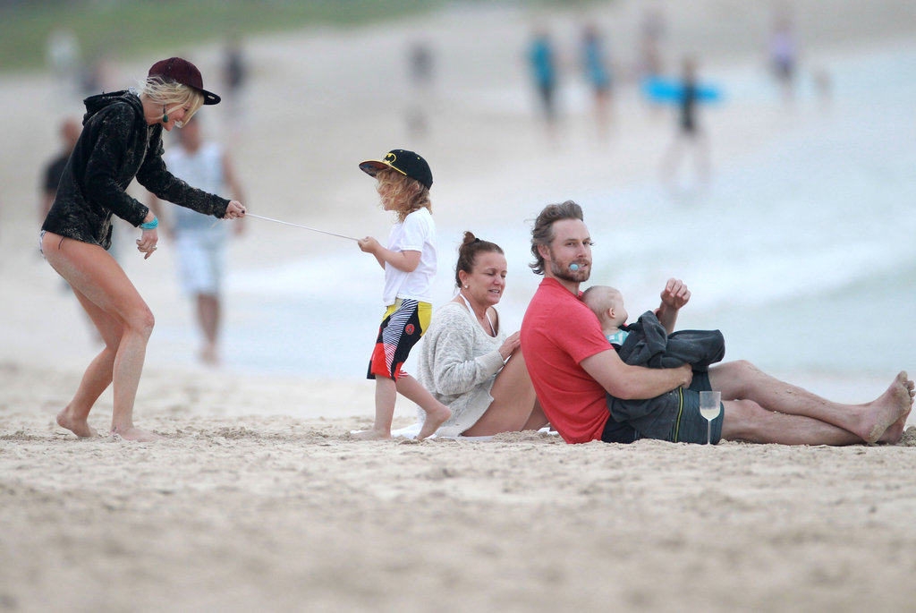 Eric Johnson and Maxwell Johnson hung out on Oahu with Ashlee Simpson, Bronx Wentz, and Tina Simpson.