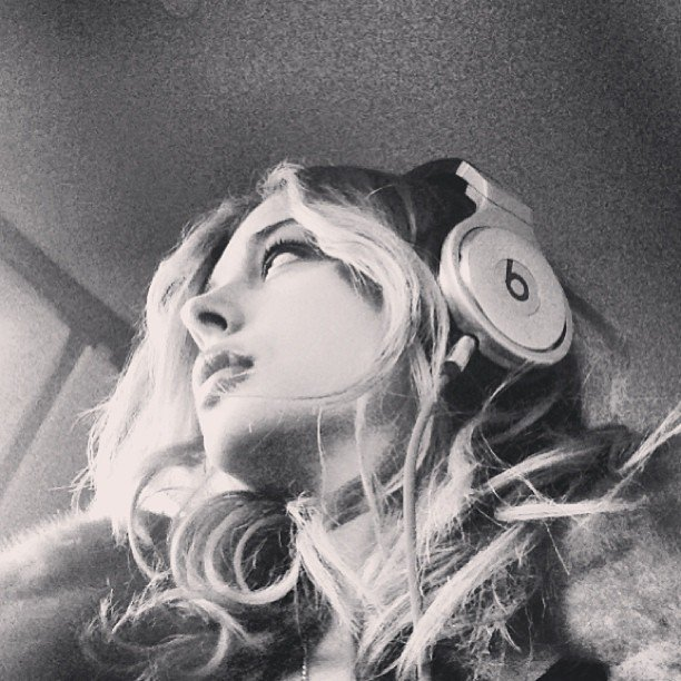 Chloë Moretz listened to music during a four-hour layover. Source: Instagram user cmoretz