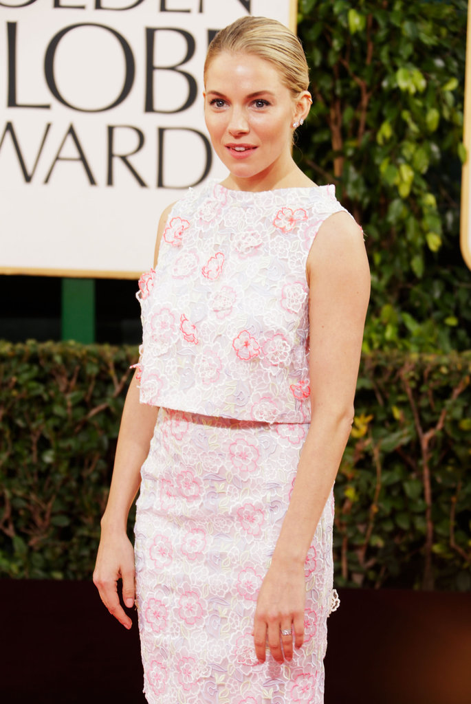 Sienna Miller Goes Floral on the Globes Red Carpet