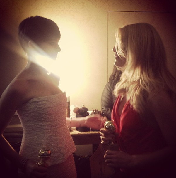 Winners Anne Hathaway and Claire Danes shared a moment backstage. Source: Instagram user goldenglobes