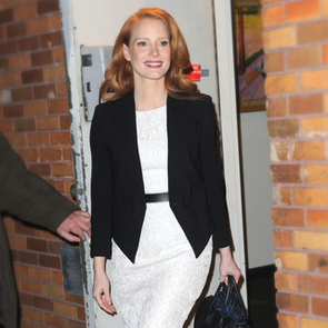 Jessica Chastain Looks Chic Leaving The Daily Show: Snoop it