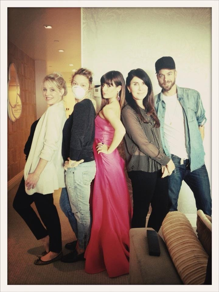 Lea Michele struck a pose with her glam squad before heading to the SAGs. Source: Twitter user msleamichele
