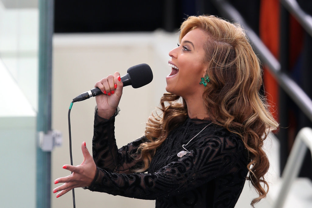 What a great shot of Beyoncé belting out the national anthem — and of course, of her amazing 80 carat emerald Lorraine Schwartz earrings.