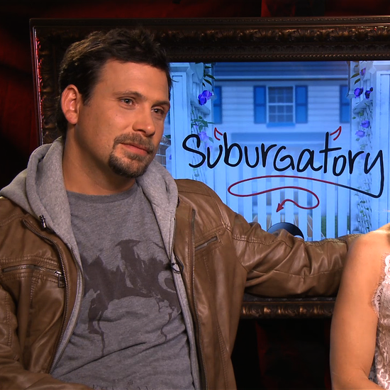 Jeremy Sisto and Cheryl Hines Suburgatory Interview (Video)