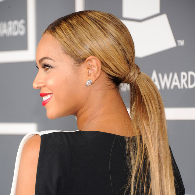 Pictures of Beyonce at the 2013 Grammy Awards
