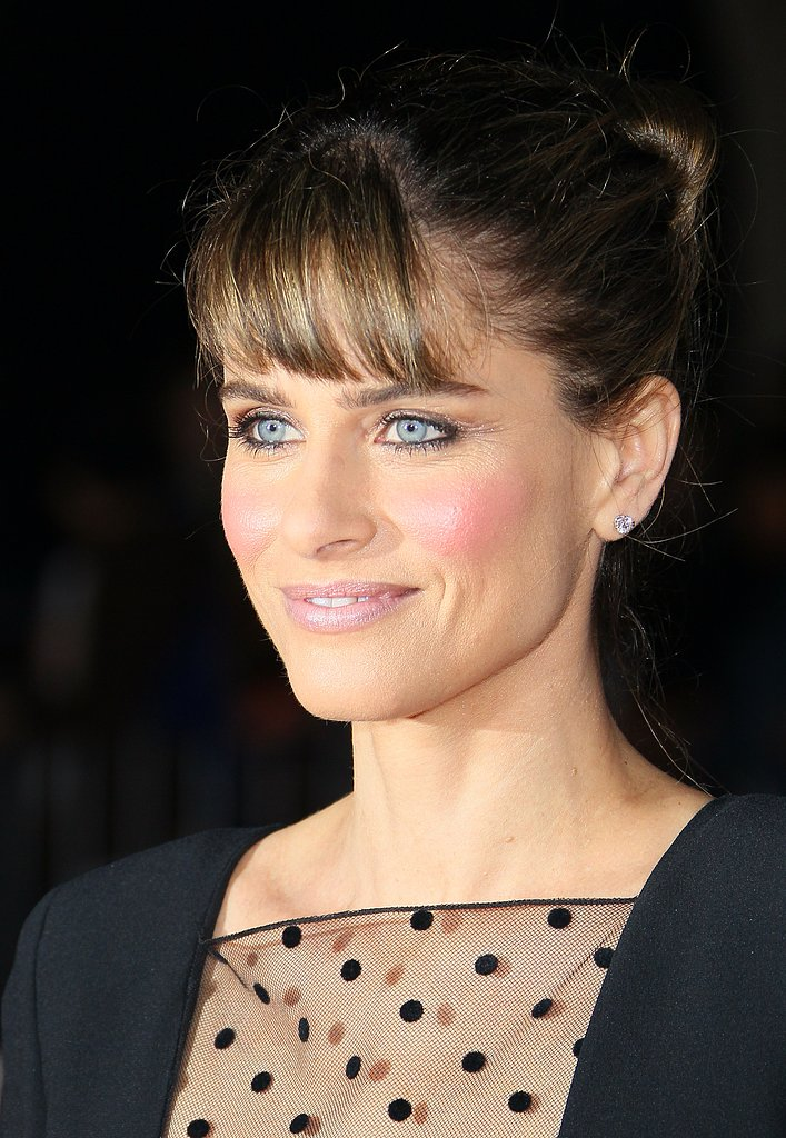 Amanda Peet showed her bangs on the red carpet.