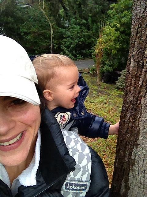 Lil Arthur Bleick got a sweet ride from his mama on a hike. Source: Twitter user SelmaBlair