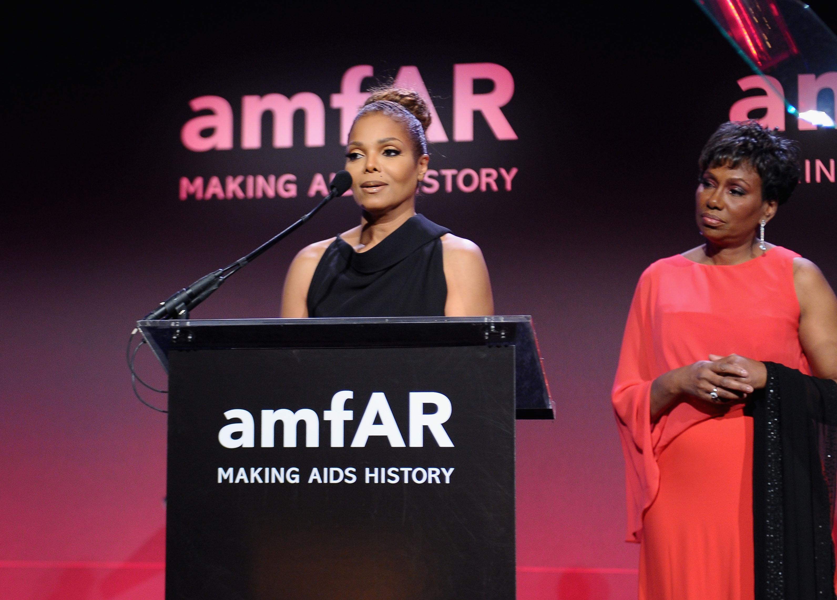 On Wednesday night, Janet Jackson presented an award at the amfAR New York Gala.