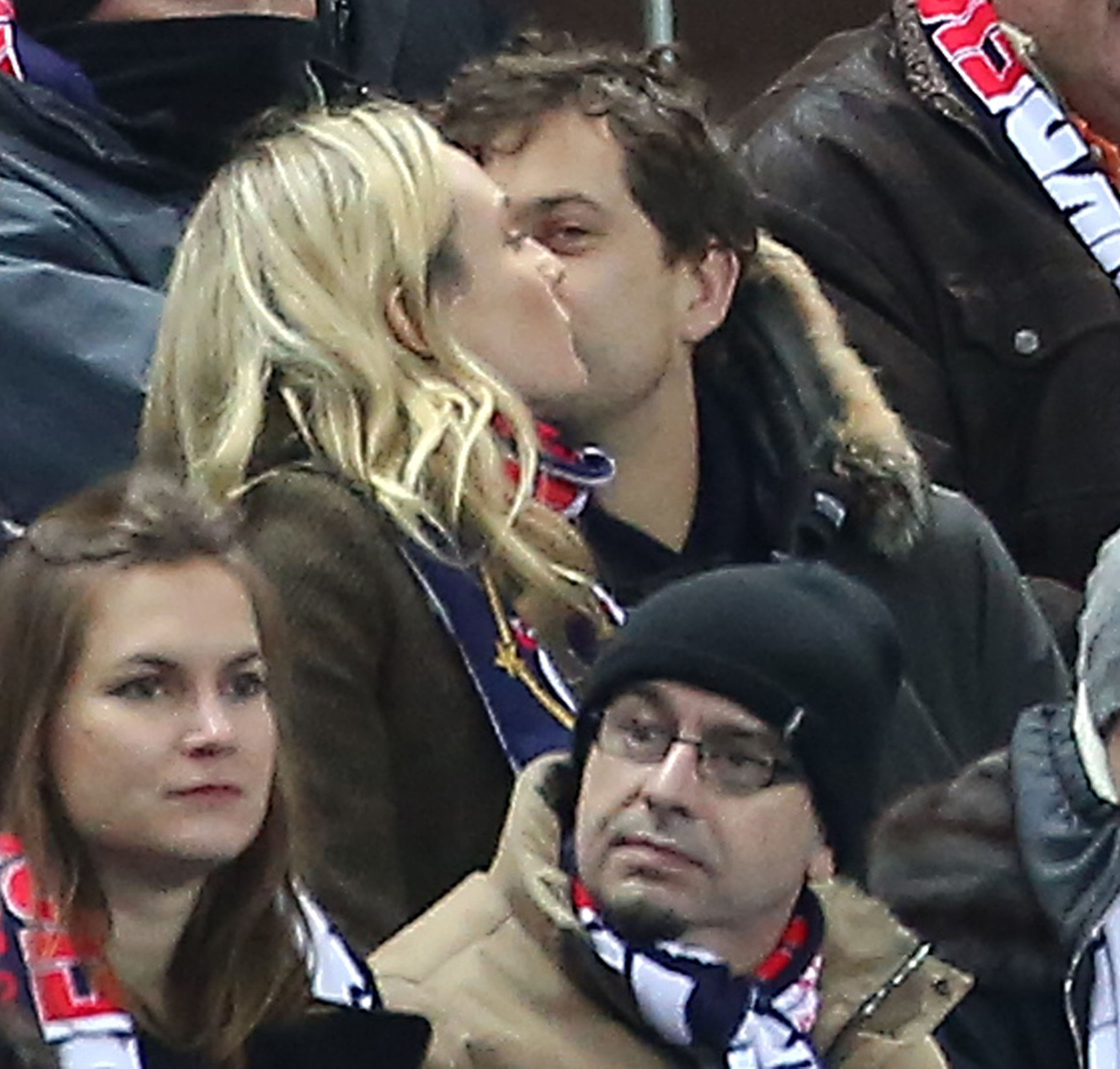 Diane Kruger and Joshua Jackson kissed at a soccer game in Paris.