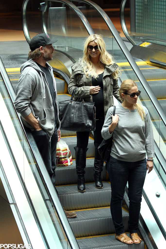 Jessica Simpson and CaCee Cobb covered their baby bumps for lunch with Eric Johnson.