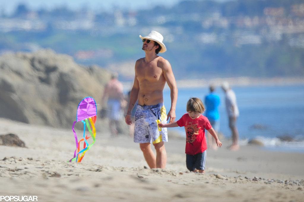 Bikini-Clad Miranda Kerr Hits the Beach With Flynn and Shirtless Orlando!